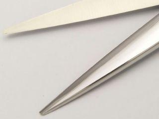 ハサミの素材コバルト系ステンレス鋼