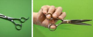 ハサミの正しい使い方親指だけ動かす
