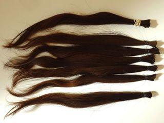 ヘアドネーション用に束ねた髪の毛