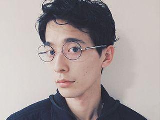 OOO YYのモデル美容師、沖永大暉