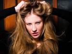 頭皮から毛先までを美しく保つ! ヘアーモデルの髪の美容法とは?