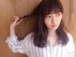 半年で驚きの美髪に!! トレンドヘアカラーを取り入れて魅力を増すHKT48指原莉乃!