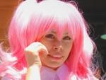 とあるデザイナーが髪の毛をピンクに染めた理由とは!?