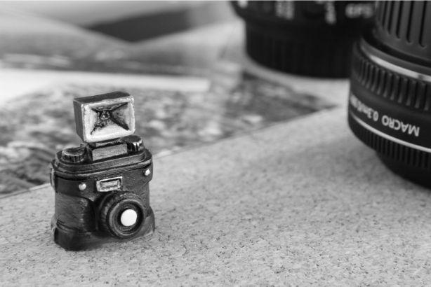 モノクロのカメラ
