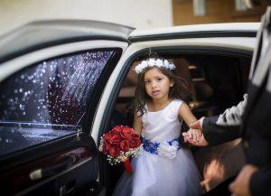花嫁衣裳の子ども