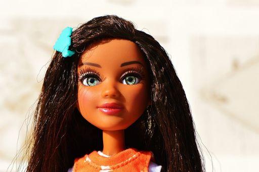 かわいい人形の画像