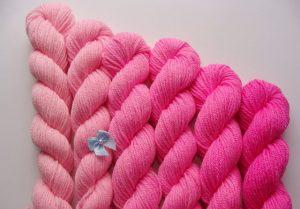 ピンクの毛糸