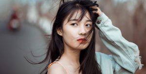 綺麗な髪のアジア女性