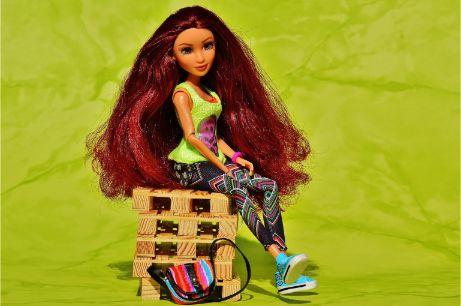 赤髪の人形