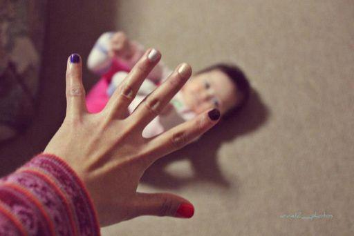 手と赤ちゃん