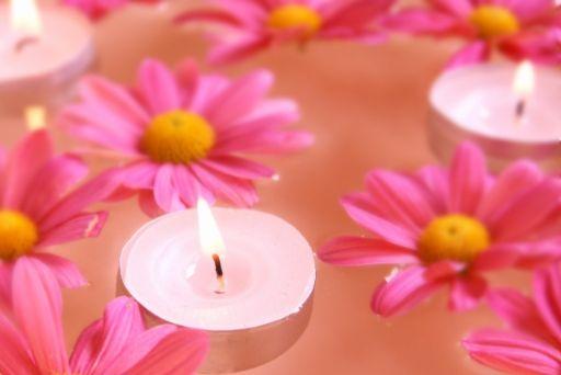 ピンクの花とアロマ