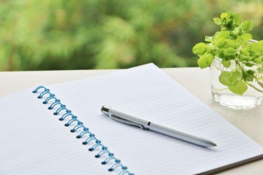 爽やかなペンとノート