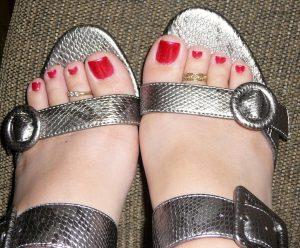 足のネイル