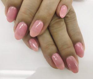 ピンクの単色ネイル