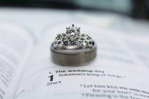 ダイアの指輪