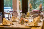 披露宴で気をつけたいテーブルマナーは?
