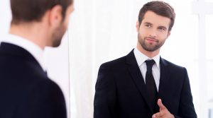 スーツを着けた清潔感のある男性