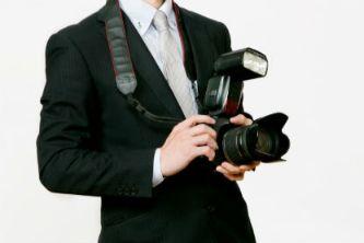 ブライダル専門のカメラマン